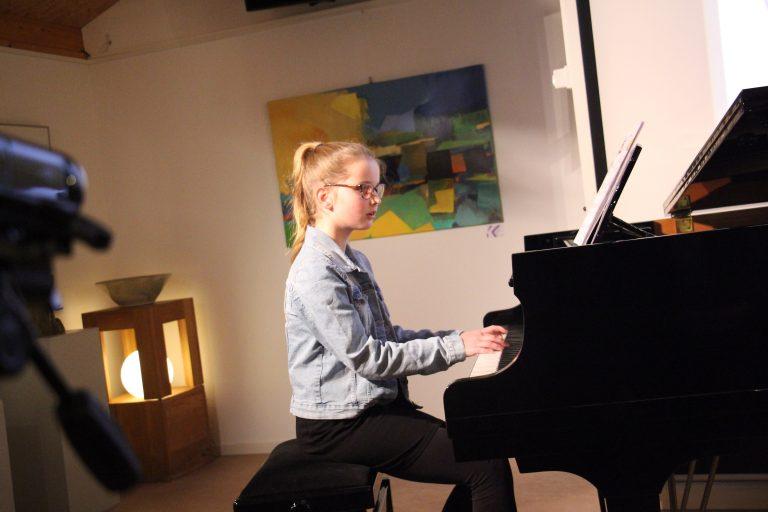 Hoogbegaafde leerling op pianoles