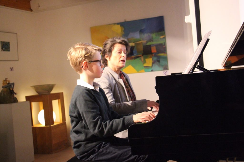 Pianoles basisschool leerling